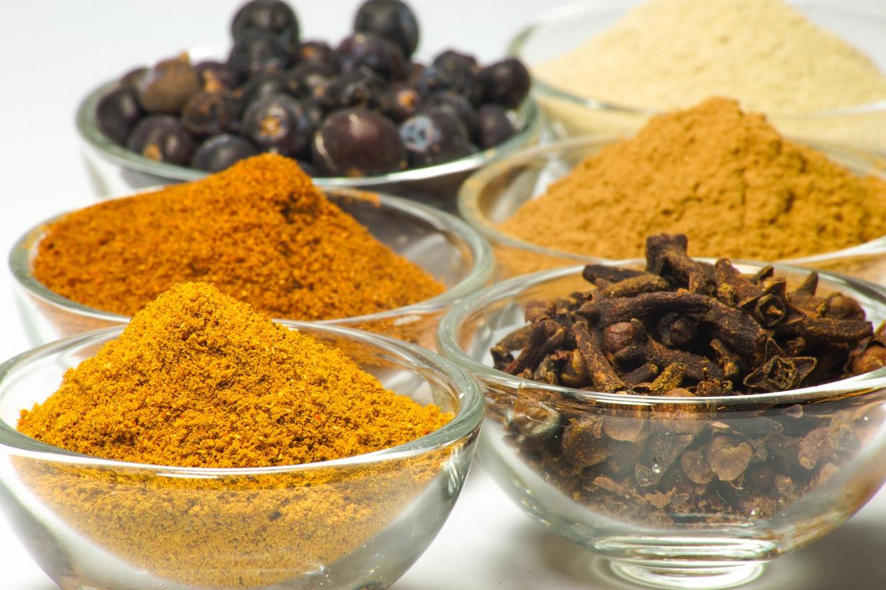 カレー粉で作る簡単スープ!レンジで出来る人気の和風アレンジを紹介
