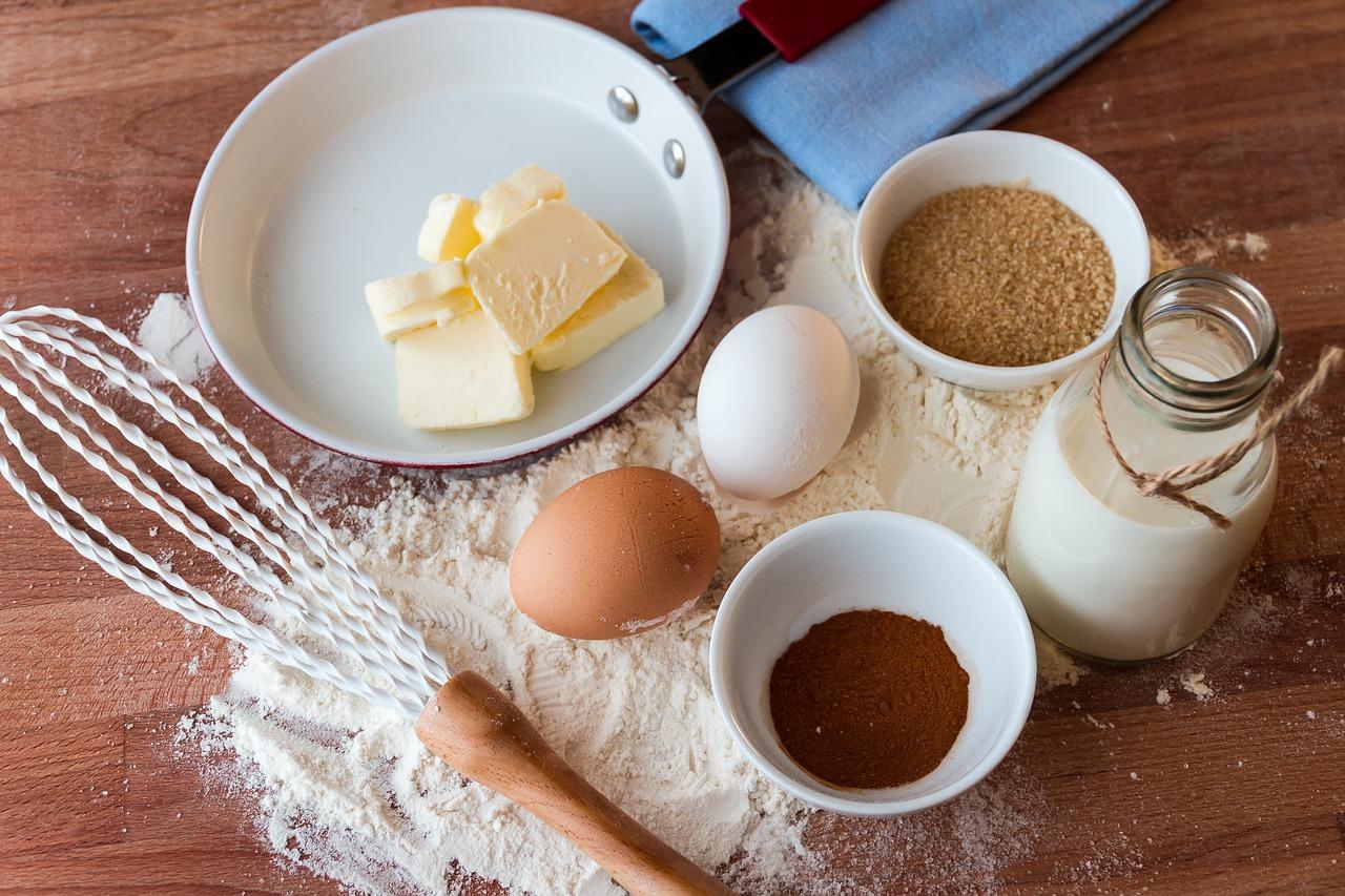 バターの作り方は?簡単なのは塩・生クリーム・牛乳(生乳のみ)を分離の原理で振るだけで完成!