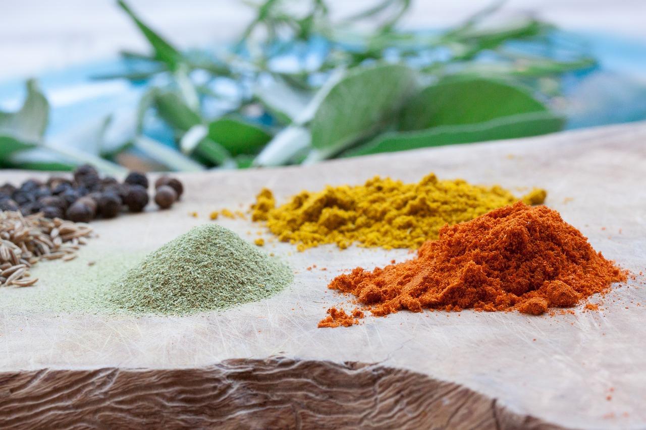 カレー粉の作り方は簡単?カレールーを使わずスパイスと小麦粉で調理する美味しいカレーとは?