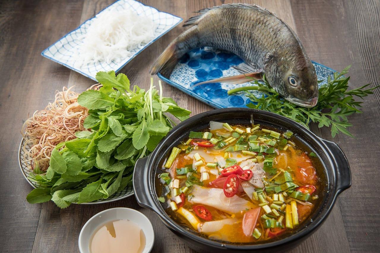 ナンプラーでスープの作り方!ワカメ・もやし・トマト・大根・パクチー・豆腐を使用したアレンジを紹介!