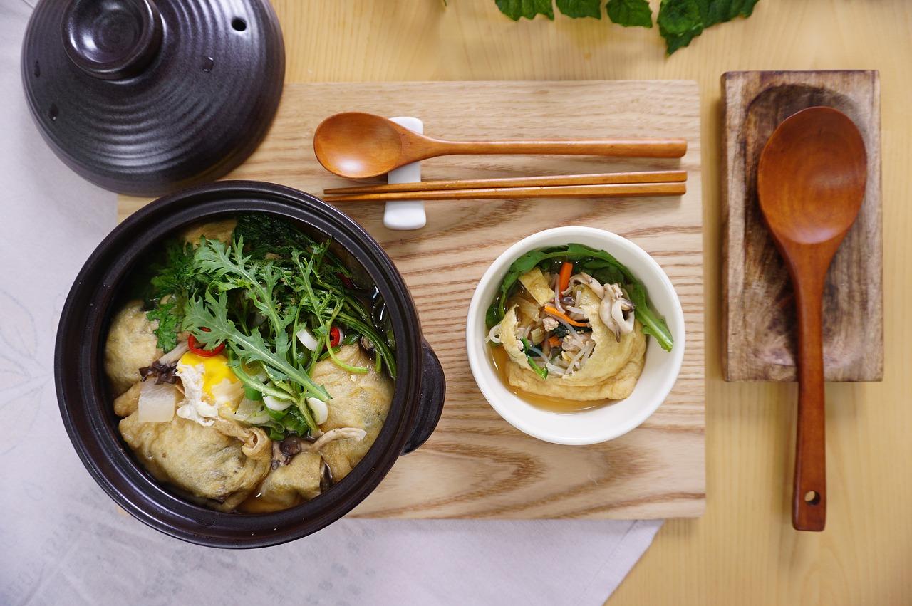 ダシダの鍋には鶏肉が最適!白菜、大根、キャベツを入れてさらに美味しく!味噌を使った料理もご紹介!