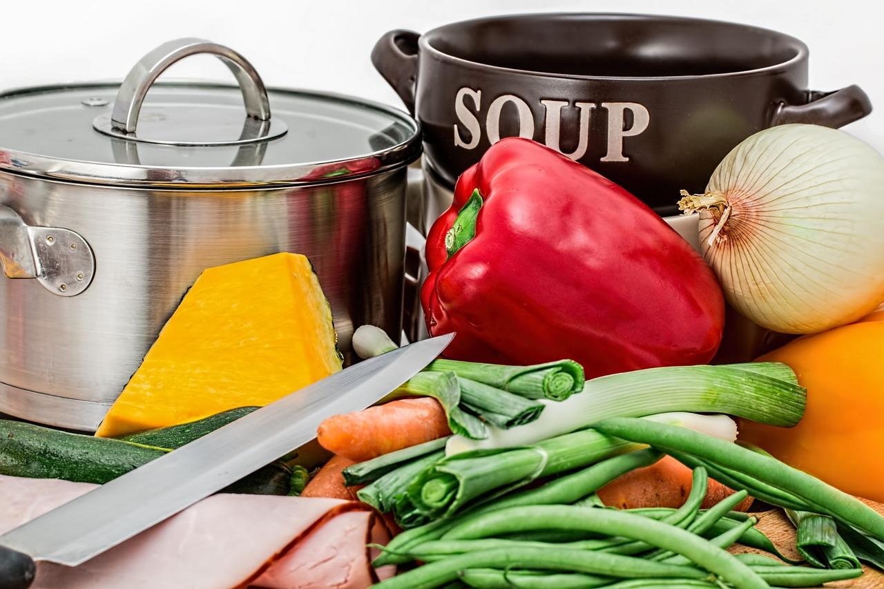 ローリエの代用品でスープ作り!お酒やピクルスやナツメグで代わりになる!?