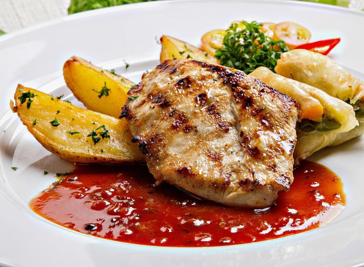 ステーキソースは簡単に出来る?にんにく無しでも赤ワインとわさび・醤油とポン酢・肉汁でお手軽に!