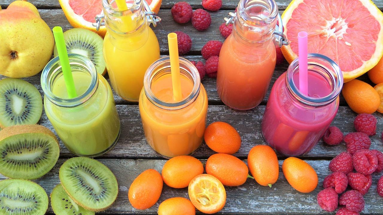 トマトジュースの飲み過ぎると害がある?量の目安は?無塩なら大丈夫かも解説!