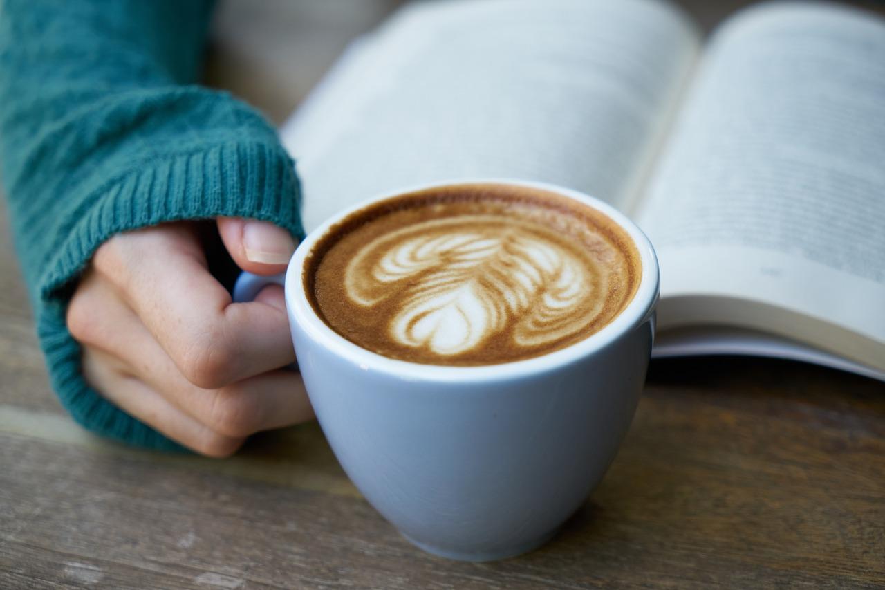 バターコーヒーをギーで作る効果は?ミキサー無し・インスタントでの作り方も紹介!