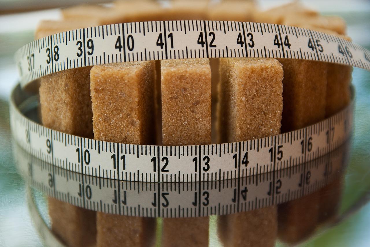 てんさい糖、オリゴ糖、白砂糖の糖質・カロリーを比較
